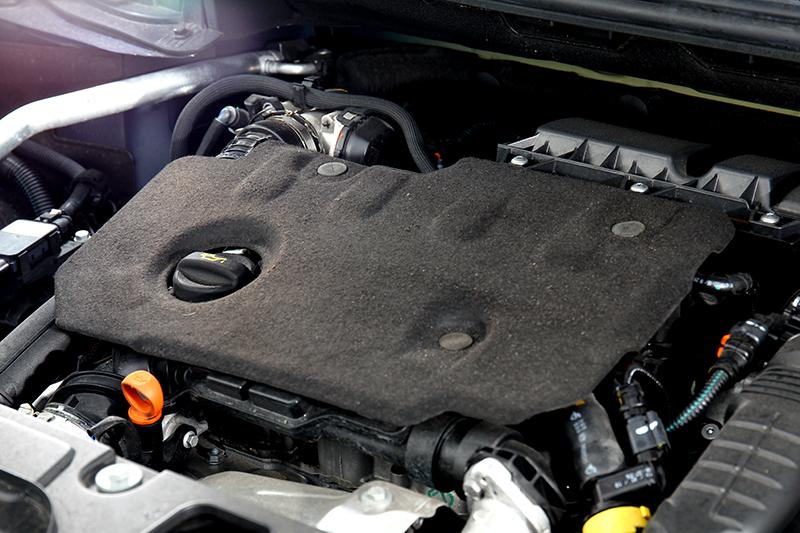 1.5L BlueHDi高壓共軌渦輪增壓柴油引擎不僅提供豐沛輸出,更完整符合超嚴苛的Euro6歐洲六期環保法規,並通過最新歐洲WLTP全球輕型車測試規範。