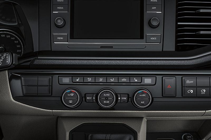 三區獨立恆溫空調含駐車暖氣。