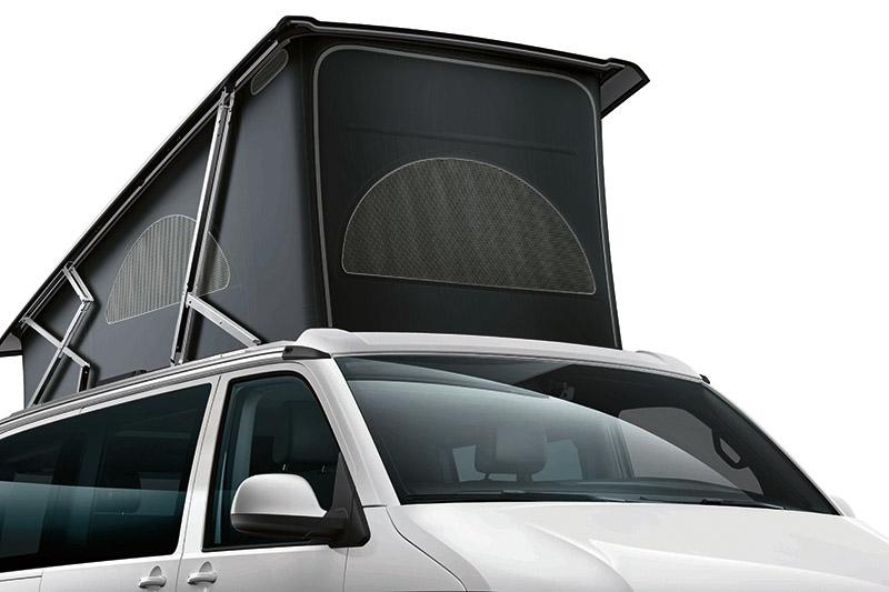手動式可收納車頂帳篷 (前方開口)含雙人床鋪。