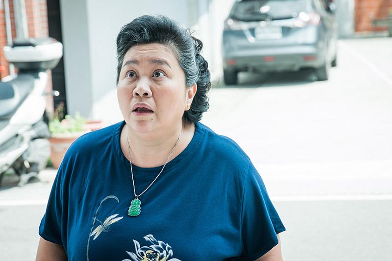 【車勢星聞】《我的婆婆怎麼那麼可愛》鍾欣凌在劇中飾演戲份吃重的靈魂人物「蘇林彩香」(圖:八大提供)