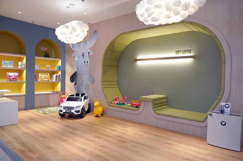 兒童遊戲區。