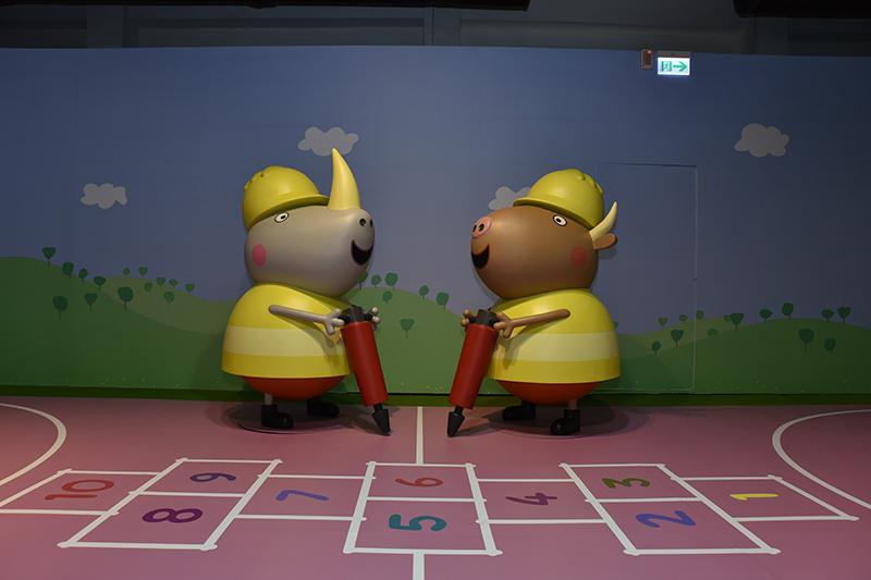 《粉紅豬小妹玩樂日互動特展-高雄站》在駁二藝術特區展出。(圖:寬宏藝術提供)
