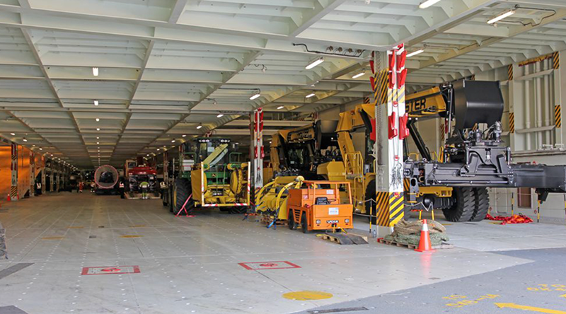 寬闊且具彈性的多層式全通艙道是PCC汽車船的重要特徵之一。