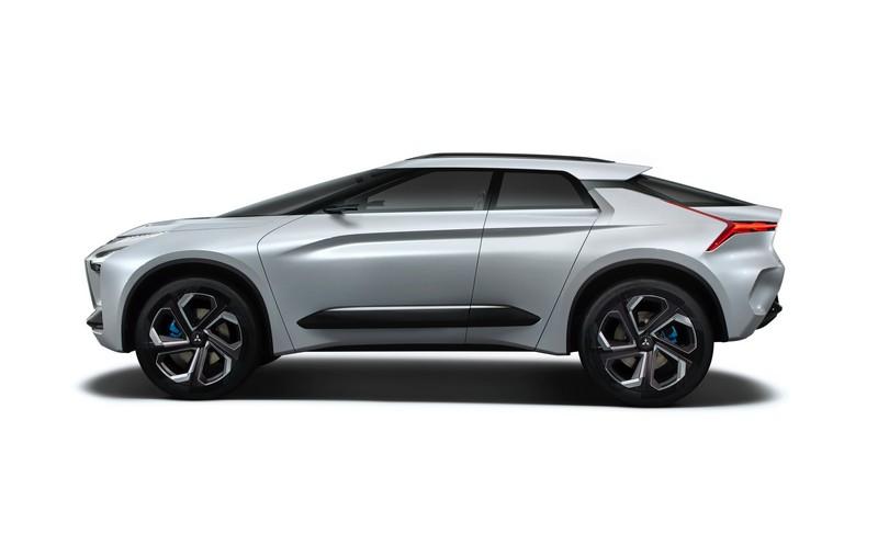 據了解量產車型會採用傳統四門及斜背設計。