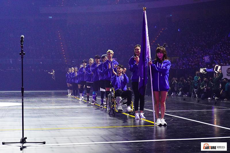 【車勢星聞】《全明星運動會》藍隊隊長胡宇威受傷後仍留下來做為精神領袖與大家同在。