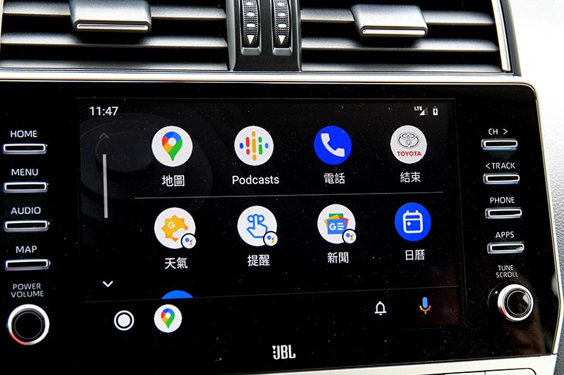 中央觸控螢幕從改款前的8吋升級為9吋,並支援時下流行的Android Auto與Apple Carplay