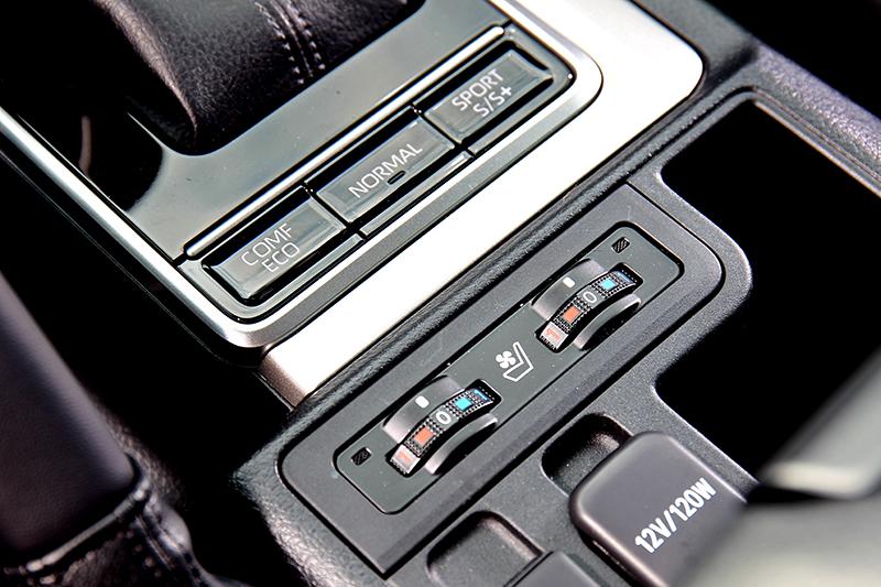 雙前座椅標配實用的通風/加熱功能