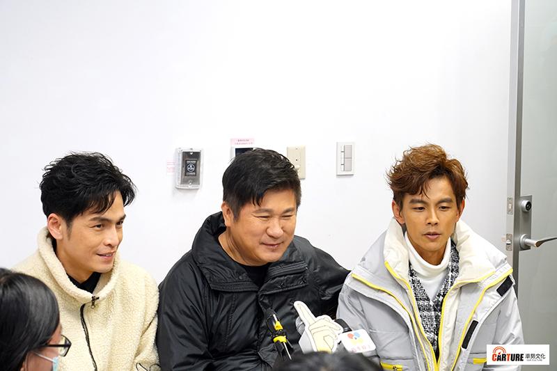 【車勢星聞】民視過年特別節目《民視第一發發發》主持人Gino(左起)、胡瓜、阿翔錄影空檔接受媒體訪問。