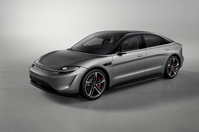 Sony在2020年CES展帶來Vision-S Concept概念車,之後於7月則表示會努力讓朝道路測試邁進。