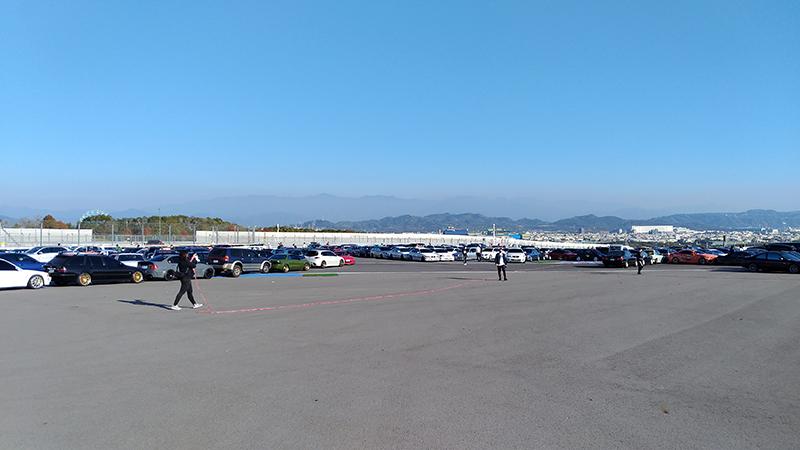【車勢星聞】電影《叱咤風雲》在賽車場舉辦盛大首映會,並號召三百多台車輛齊聚。