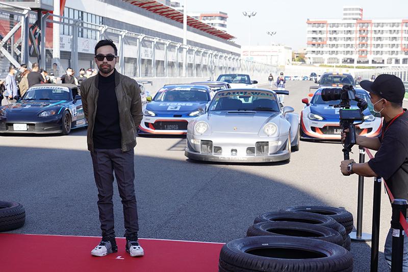 【車勢星聞】賽車電影《叱咤風雲》由兼具賽車手身分的陳奕先導演負責執導、編劇,與周杰倫共同剪接。