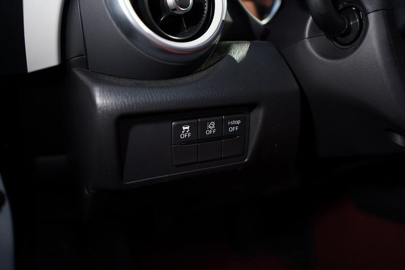 主動安全部分仍具備智慧頭燈、盲點偵測、後車警示、車道偏移警示等i-ACTIVSENSE主動安全科技