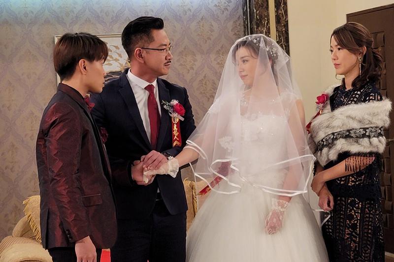 【車勢星聞】藝人王瞳為民視八點檔《多情城市》披婚紗嫁給許仁杰。(圖:民視提供)
