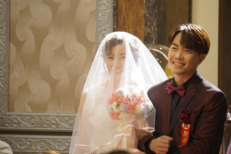 【車勢星聞】王瞳跟許仁杰在《多情城市》的婚禮戲即將登場。(圖:民視提供)