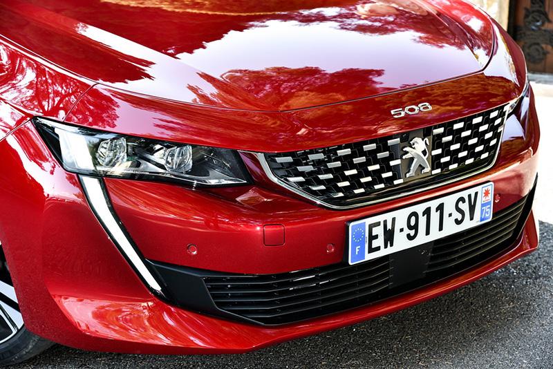 「獅牙晝行燈」成為Peugeot 508獨步車壇的顯眼特徵,也開啟了全新家族風貌。