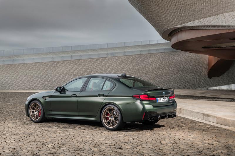 透過碳纖維材質助益M5 CS車重較M5 Competition減輕70公斤。