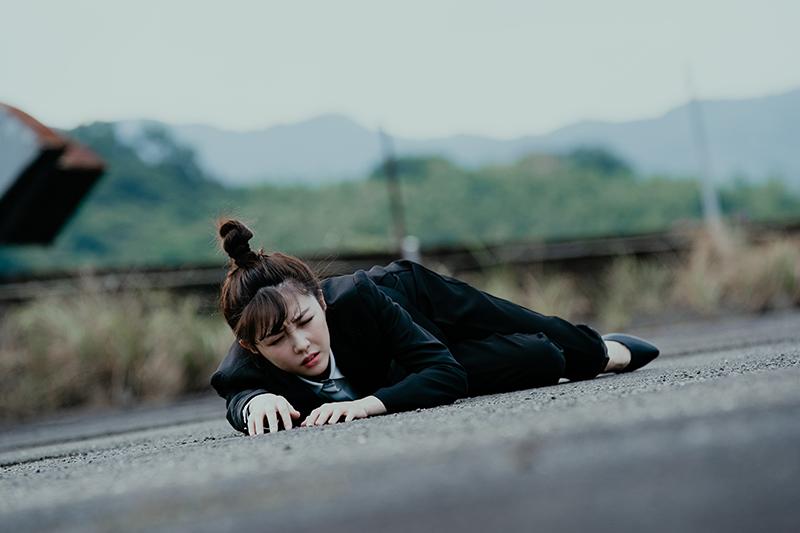 【車勢星聞】邵雨薇為《天巡者》常要思考怎麼被摔、被打。(圖:三立提供)