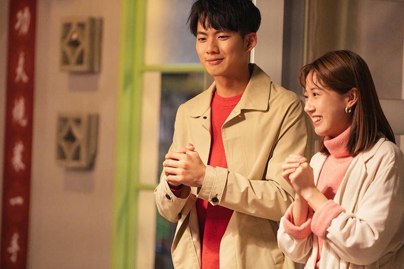 【車勢星聞】《粉紅色時光》吳念軒(左起)唱《恭喜恭喜》頻走音,方志友:「有些事不能勉強」。(圖:TVBS提供)