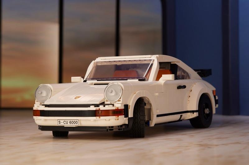 此次Lego推出的積木模型是911 Turbo與911 Targa二合一。