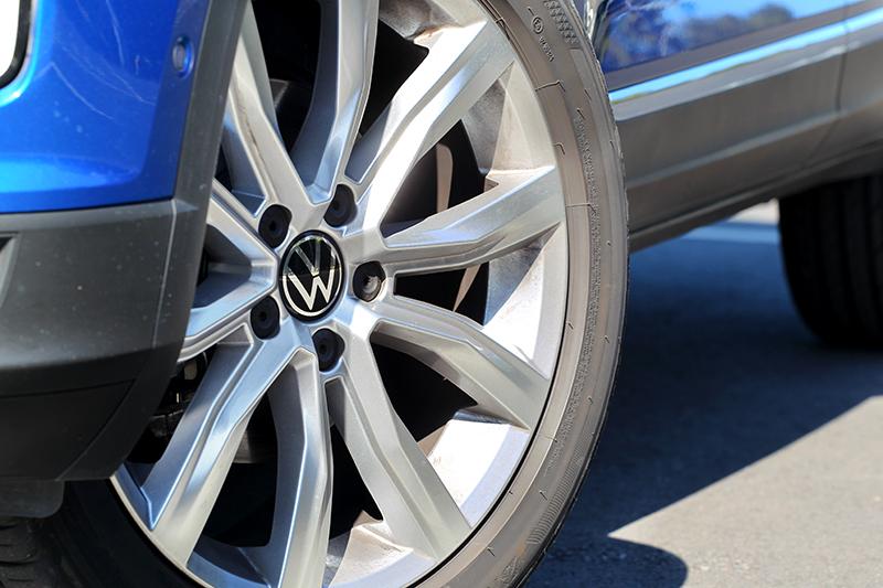 為區分車型等級之分,T-Roc 280 TSI Style Design配置18吋輪圈。
