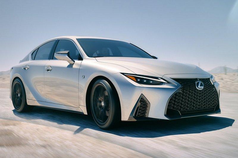 Lexus日前釋出F Sport引擎照,讓人猜測是否會是IS 500 F Sport。