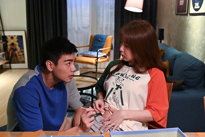 【車勢星聞】《未來媽媽》禾浩辰(左)霸氣金句「我娶妳不是要妳來幫我生小孩的!」引發觀眾共鳴。(圖:三立提供)