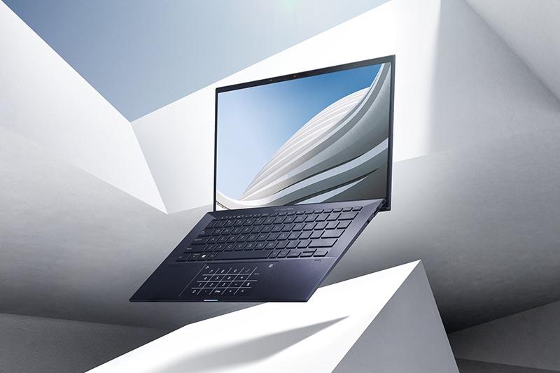 華碩商用筆記型電腦2020年度市佔近三成,自2004年起已17度雄踞台灣龍頭。(圖:Asus提供)