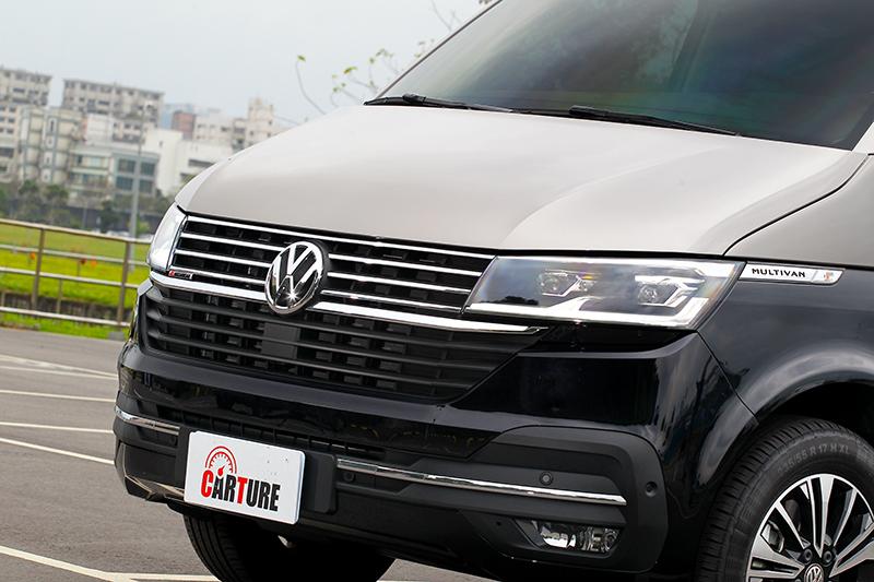 Volkswagen T6.1 Multivan在水箱護罩與頭燈修改後變得更精緻成熟。