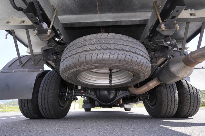 全新輕量化大樑厚度從原本的6mm降低為3.8mm,省下來的車重能多載一些貨品且長期能減少油料開銷