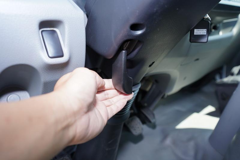 四向可調的方向盤及可前後滑移座椅能輕易找出合適的操駕姿勢