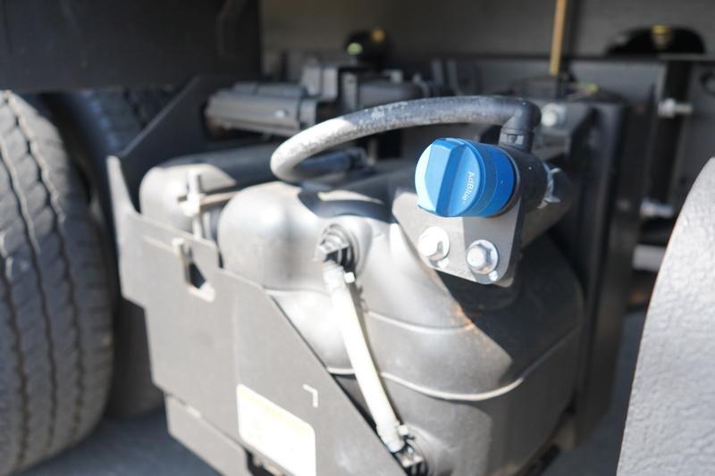 Hino 200符合6期環保法規,車上備有13公升的尿素系統,對環境汙染程度也比過去大為降低