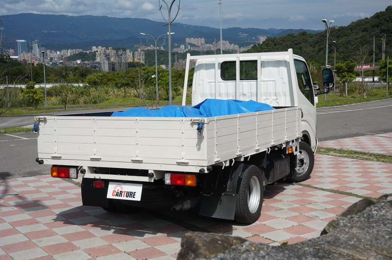 Hino 200的定位給不需要這麼大載重量但卻有大載台需求的業主的一個全新選擇