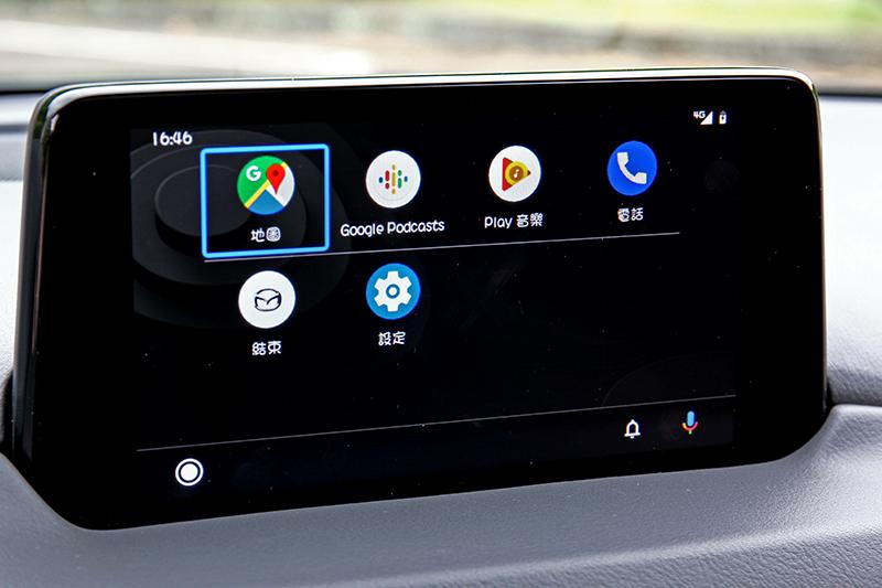 Apple CarPlay或Android Auto連接已是標準配備。