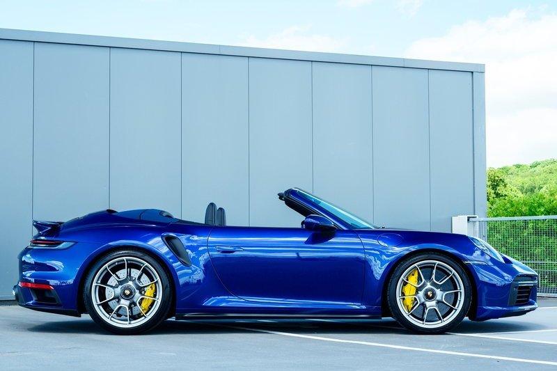 未來有打算推出Taycan雙門與敞篷車型。(圖為911 Turbo S敞篷)