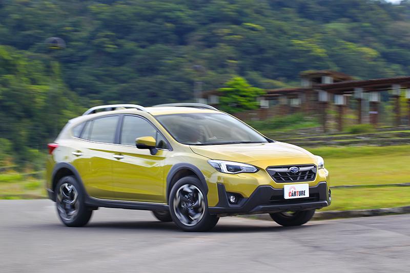 XV依舊搭載2.0升自然進氣引擎,有著輕盈的加速表現。