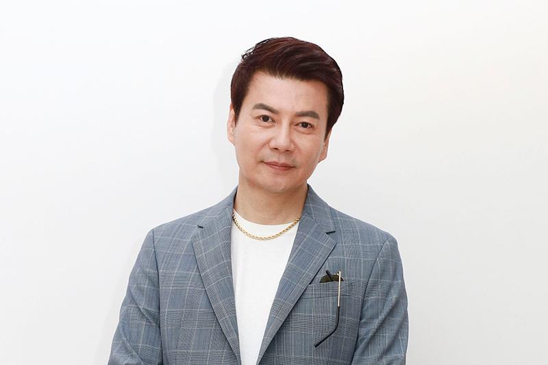 【車勢星聞】倪齊民暌違五年再加入民視八點檔,在《多情城市》演出建設公司老闆。(圖:民視提供)