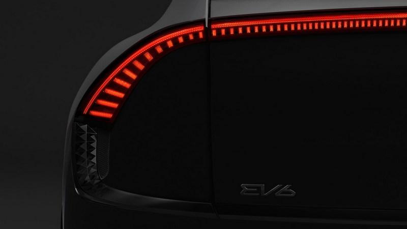 此款電動車名為EV6,且之後新款電動車皆會以EV搭配數字命名。