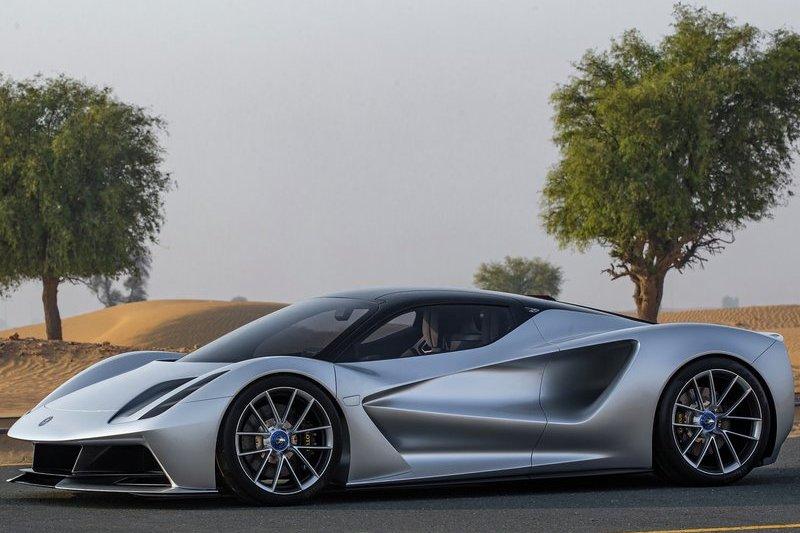 Evija為Lotus首款電動超跑,搭載4具電動馬達能提供1,973匹馬力及173.3kgm扭力峰值。