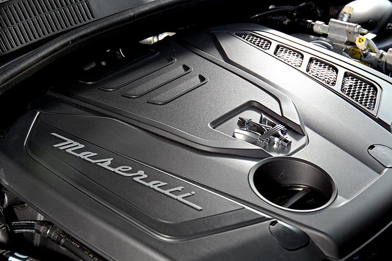 2.0升渦輪引擎加上48V馬達的輔助下能產生330匹的最大馬力