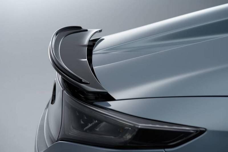 出S660 Modulo X Version Z外觀額外增加空力套件與尾翼。