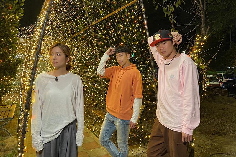 【車勢星聞】快訊!莎莎(左)因健康因素暫別《食尚玩家》。(圖:TVBS提供)