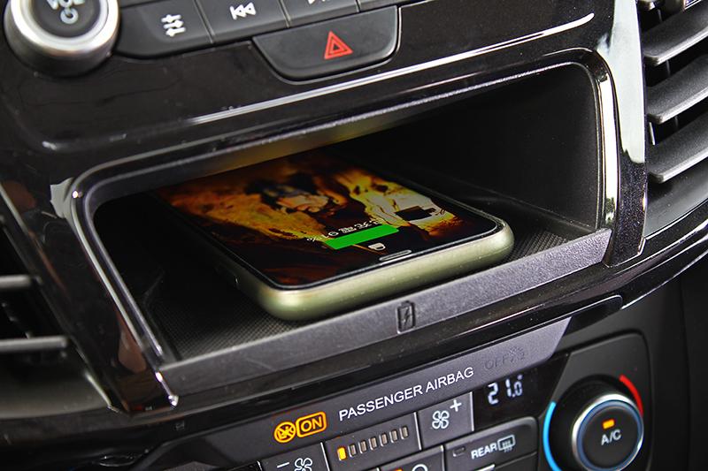 QI無線充電是為智慧型手機補充電能的最佳拍檔。