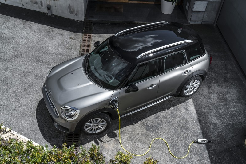 2025年之後只會推出搭載電動系統車型。