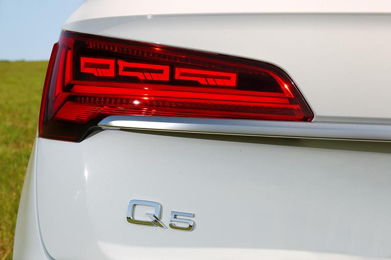 若後方車輛太過接近尾燈也會以全亮方式提醒後方駕駛。