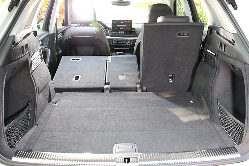 行李廂置物空間可達1,580公升。
