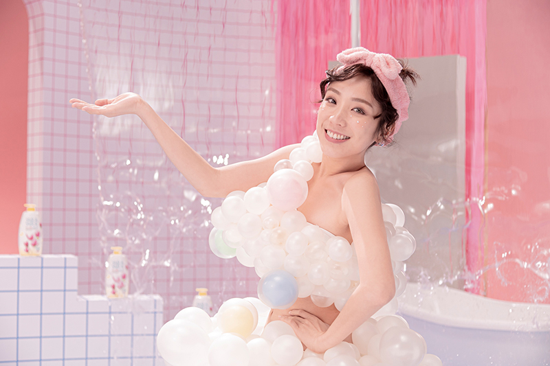 【車勢星聞】梁舒涵代言莎啦莎啦沐浴乳,挑戰入行最大性感尺度。(圖:開麗娛樂提供)