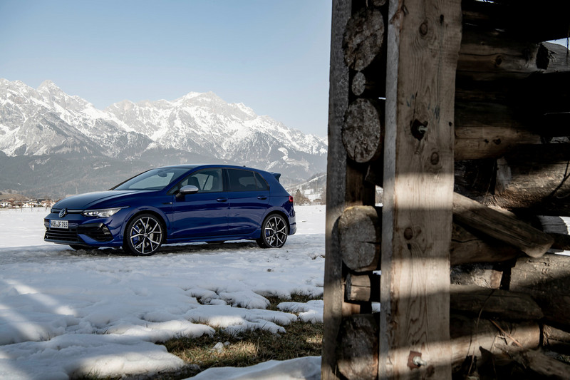 Golf R選配R Performance套件極速部分能提升至270km/h。