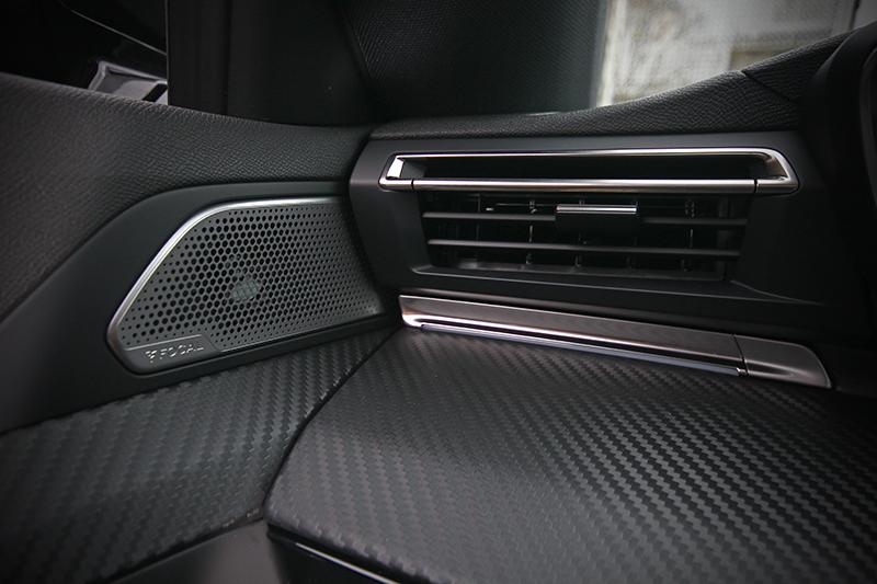 試駕的GT LINE 225車型上配有配有Focal環場音響系統。