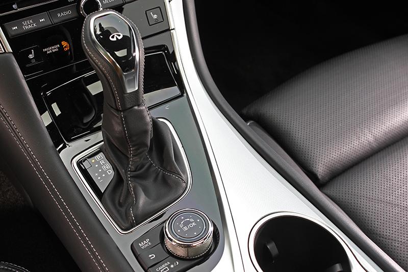 綿密細膩的七速手自排變速系統,同時備有多模式行車控制系統。