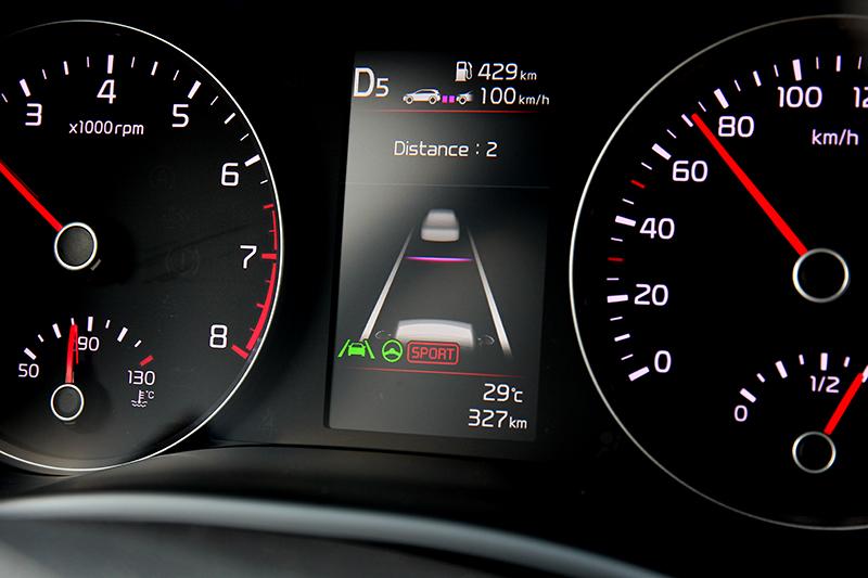 Stonic配置的SCC智慧巡航控制並非全速域,作動範圍限制在10~180 km/h
